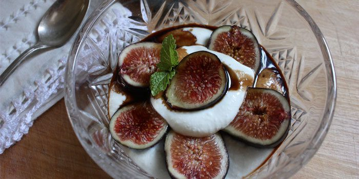 Figs with Honey, Ricotta, and Balsamic