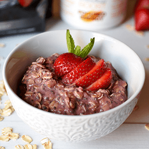 Strawberry Shakeology Overnight Oats