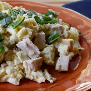 scramble-with-chicken-feature