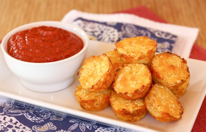 "<img src=""girl_with_phone.png"" alt=""homemade ketchup with tater tots""/>"